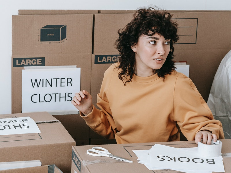 All your items need to be packed into labelled boxes. This ensures you know where everything is when it comes to taking your belongings out of storage. Not only will you be able to find everything easier, but you'll also be able to keep track of any missing items too. before moving into storage