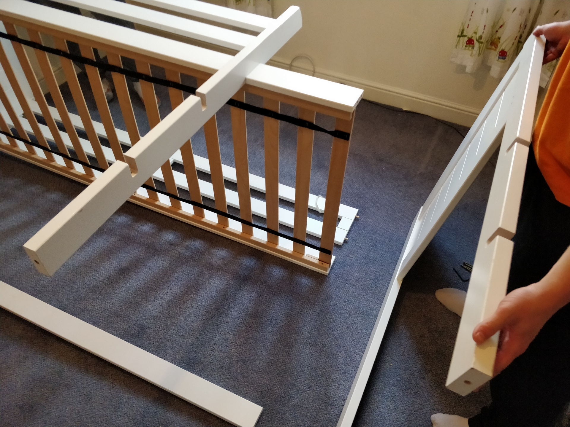 How to Dismantle a Bunk Bed 11
