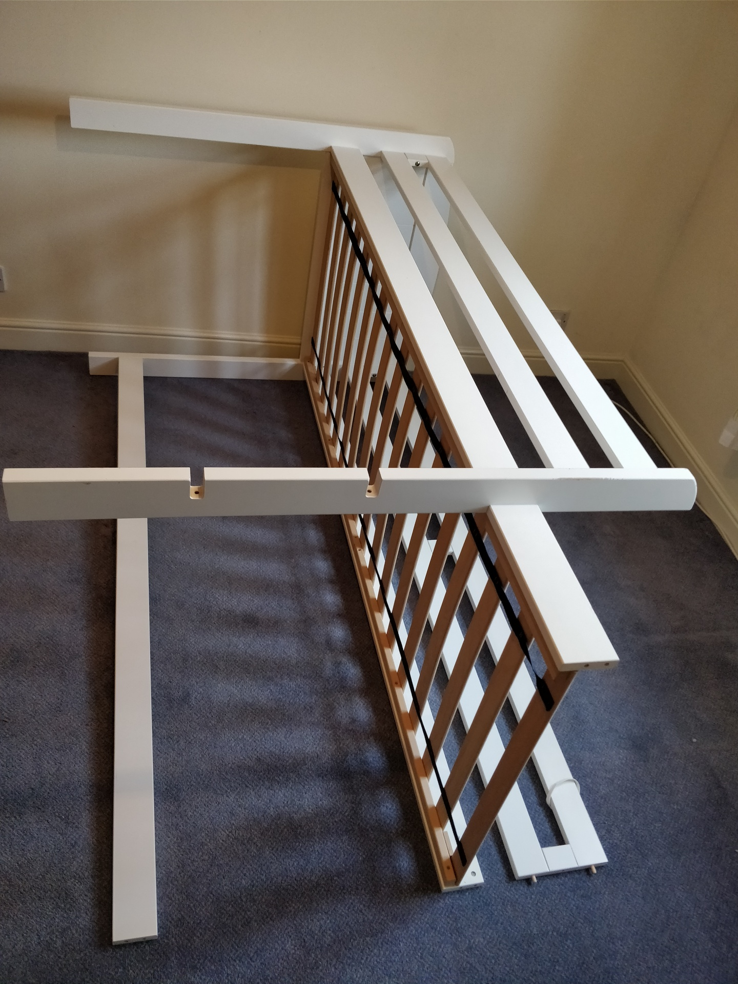 How to Dismantle a Bunk Bed 12